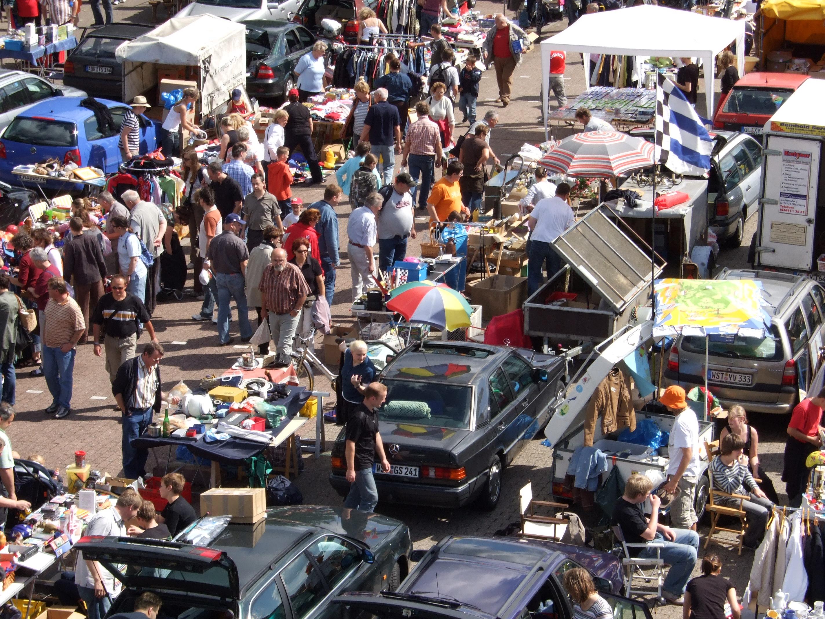 Pressefotos: Flohmarkt in Oldenburg (Famila Einkaufsland